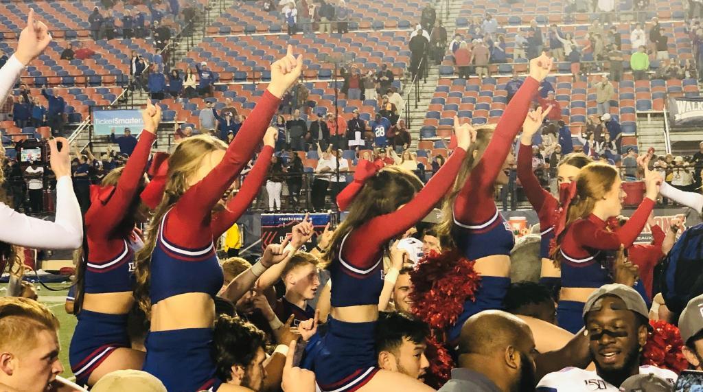 Tech cheerleaders post game